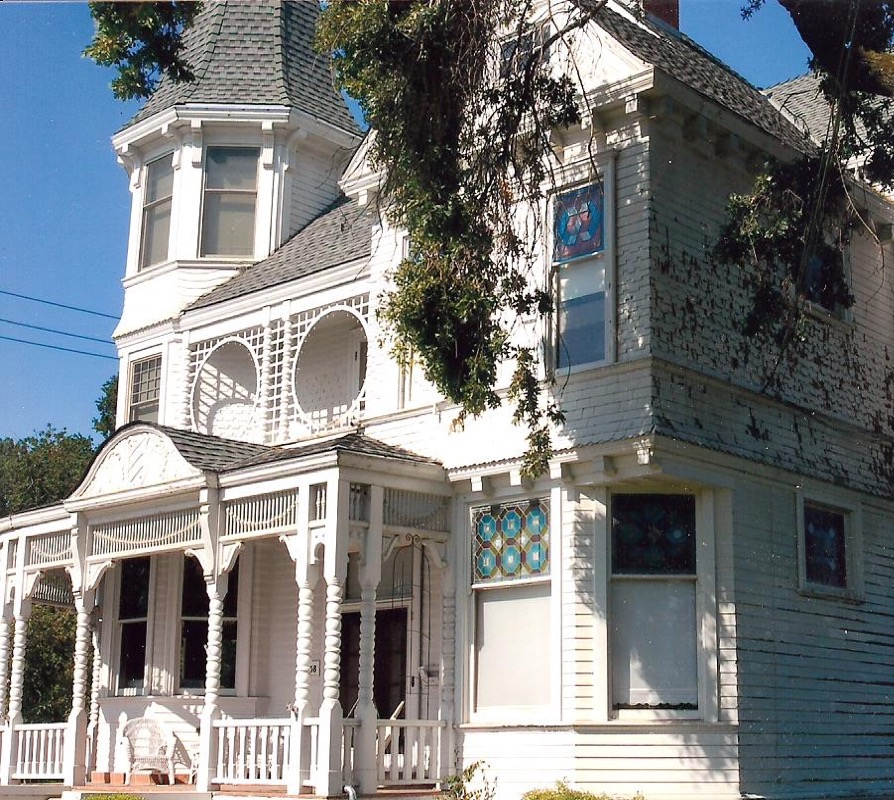 Queen Anne Victorian historic house painting restoration Woodland CA Easton Painting